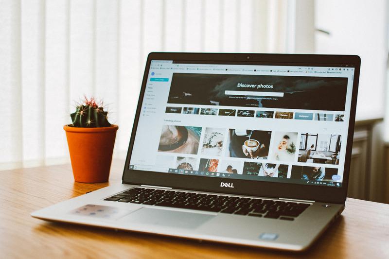 サラリーマンにオススメの副業、ブログアフィリエイトのイメージ